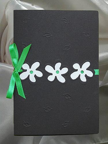 Schwarze Tapete Mit Wei?en Blumen : Schwarze Einladungskarte mit wei?en Blumen